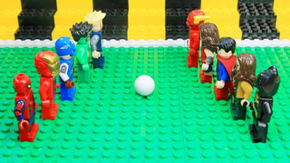 Lego Avengers Vs Justice League -...